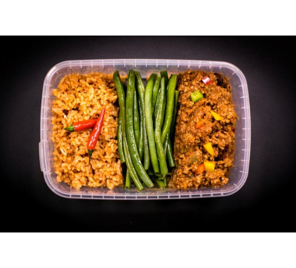 Lean beef chilli, Mexican brown rice & steamed green beans