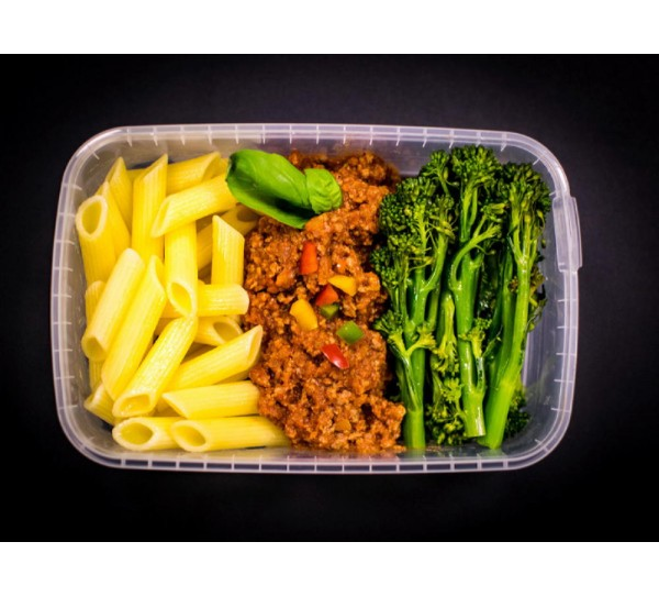 Lean beef Bolognese, whole wheat pasta & steamed broccoli