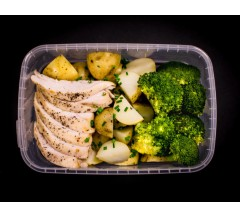 Salt & pepper chicken, boiler baby potatoes & steamed broccoli